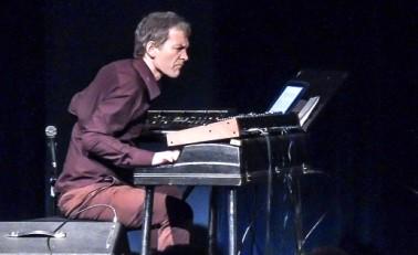 Brad Mehldau draws from his jazz roots.