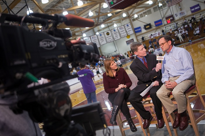 Dan+Mowdy+worked+as+a+sideline+reporter+for+Lafayette+Sports+Network.+%5BPhoto+courtesy+of+Chuck+Zovko%2C+Communcations+Divison+%5D