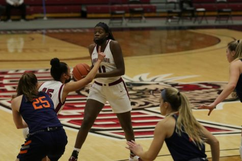 Junior forward Naomi Ganpo scored a career-high 16 points in the second game against Bucknell. (Photo courtesy of athletic communications)