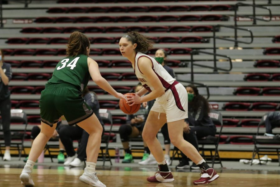 Senior+forward+Natalie+Kucowski+is+within+striking+distance+of+becoming+the+Patriot+Leagues+all-time+leading+rebounder.+%28Photo+courtesy+of+athletic+communications%29+