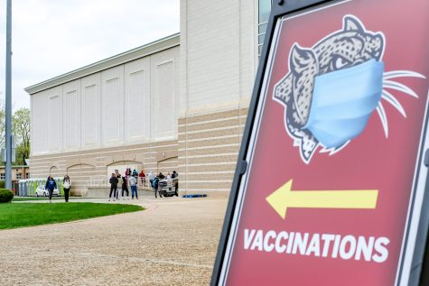 The Pfizer vaccine was offered in place of the second day of vaccinations through Lafayette after the recall of the Johnson &Johnson vaccine. (Photo by Caroline Burns 22)