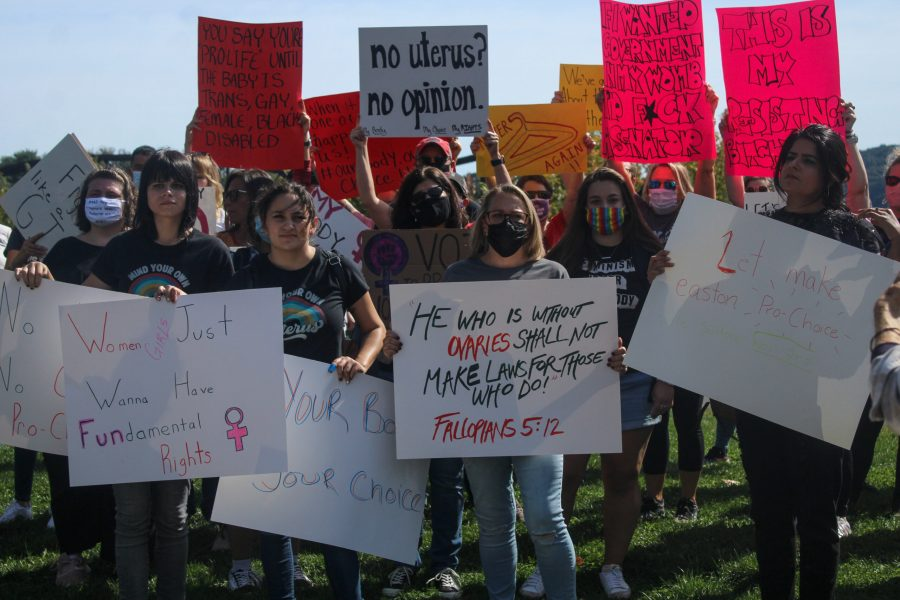 A crowd of about 100, including three Lafayette students, marched in protest of the Texas abortion law this past weekend. (Photo courtesy of Meredith McGee 23)